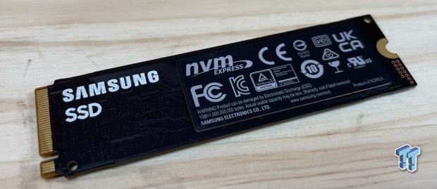 Samsung 980500GB NVMe SSD Revisión 08 |  TweakTown.com