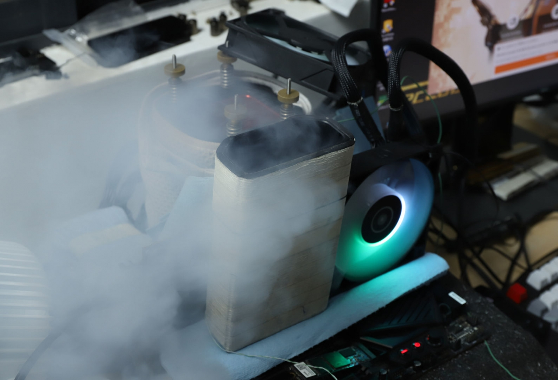 AMD Radeon RX 6800 XT breaks 3DMark world record under LN2 cooling 01 | TweakTown.com