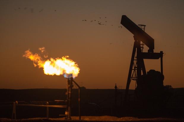 Russian oil firm opens new Bitcoin mining farm running on gas energy 10 | TweakTown.com