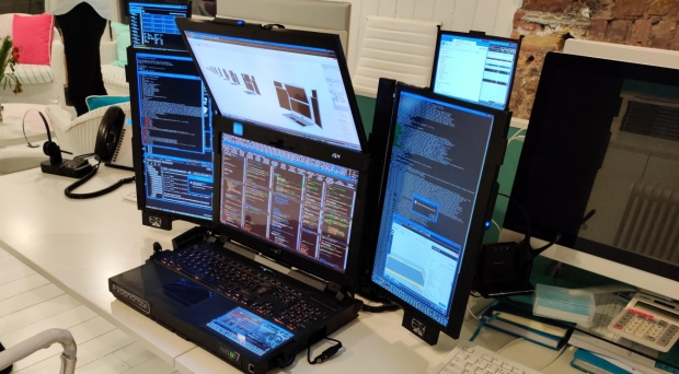 Check out this crazy 7-screen prototype laptop, ready for Elon Musk 06 | TweakTown.com