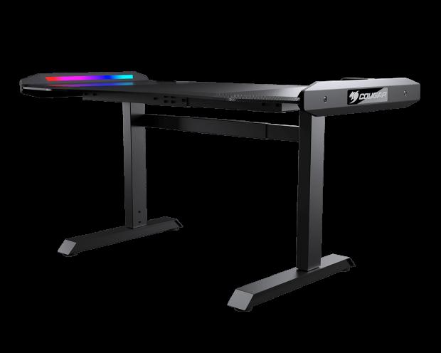 Cougar的新游戏桌具有USB-C端口和RGB照明(当然)02 |  TweakTown.com