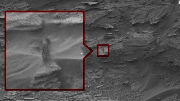 Imágenes extrañas de Marte que muestran signos de vida, ¿o nos llega Internet?  04 |  TweakTown.com