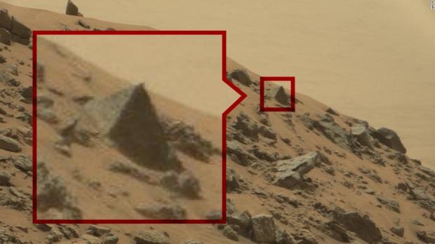 Imágenes extrañas de Marte que muestran signos de vida, ¿o nos llega Internet?  05 |  TweakTown.com