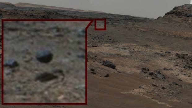 Imágenes extrañas de Marte que muestran signos de vida, ¿o nos llega Internet?  06 |  TweakTown.com